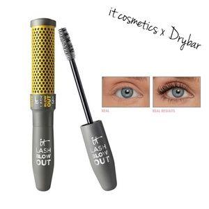 it cosmetics x Drybar Lash Blowout Mascara Black